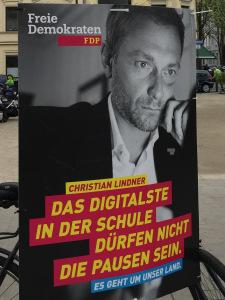 fdp_plakat_nrw2017_digitaleschule (1).jpg